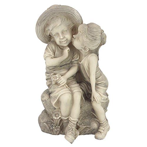 Design Toscano Küssende Kinder Statue mit Junge und Mädchen, Maße: 21.5 x 19 x 35.5 cm 1 kg